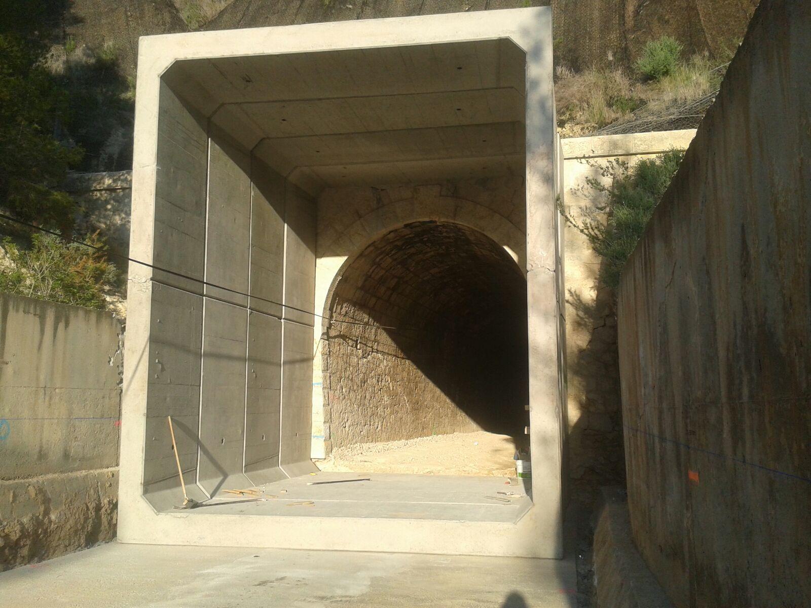 Marcos Prefabricados Para Ferrocarril En Altea Calpe